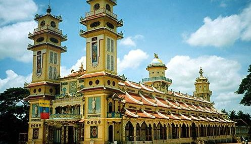 HO CHI MINH CITY – CAO DAI TEMPLE - CU CHI TUNNELS 1 DAY TOUR