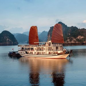 HALONG BAY 2 DAYS 1 NIGHT TOUR WITH APRICOT PREMIUM CRUISE